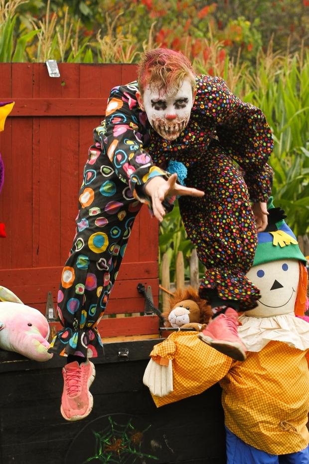 CT Landmarks Haunted Corn Maze Clown (2)